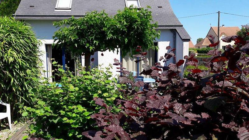 Gîte avec sauna, indépendant, charges comprises. Chèques vacances, à 5 mn mer, location de vacances à Quettreville-sur-Sienne