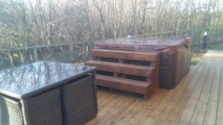 Hot Tub and Decking to rear