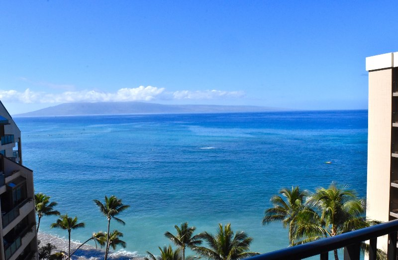 Valley Isle Resort #1101 - Oceanview Corner Unit Summer Special $155, holiday rental in Lahaina