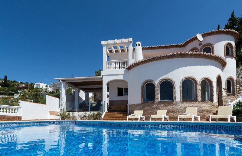 The child-friendly Villa Amani, vacation rental in Guajar Faraguit