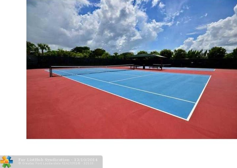 Georges Brummer park, 1,5 mile away  with 6 tennis courts with free access
