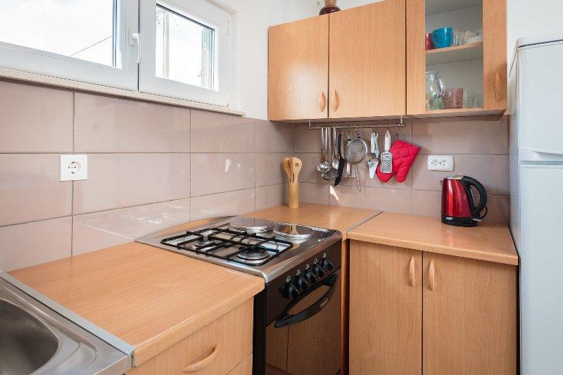 H (4 + 1): cuisine et salle à manger