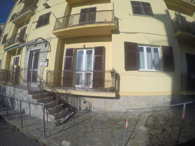 Casa Mire - Appartamento, vacation rental in Fiascherino