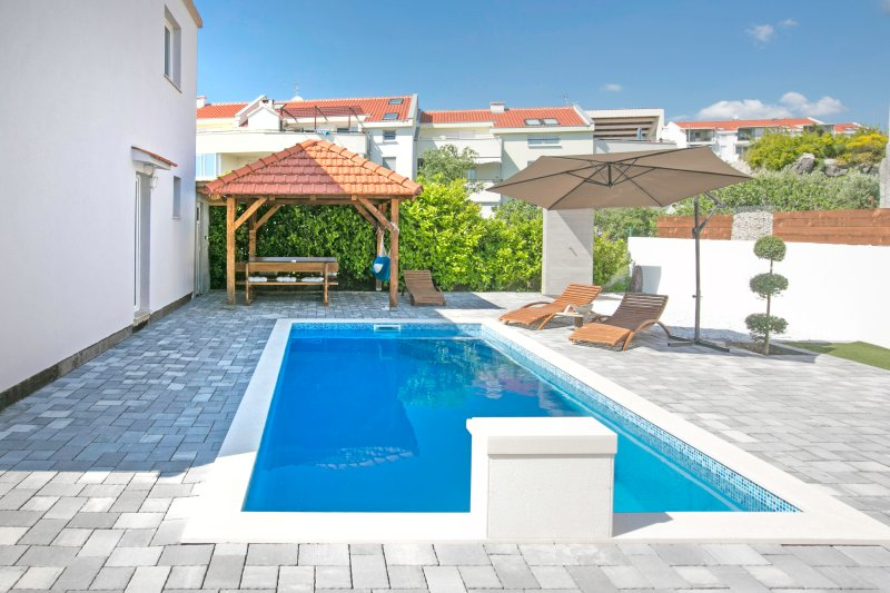 Villa with pool Dino, holiday rental in Klis