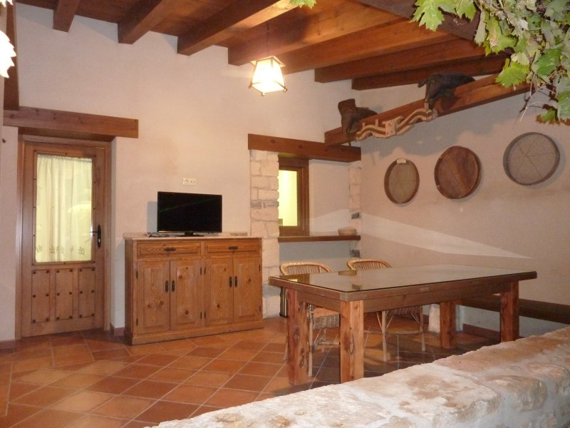 Casa Mariano, holiday rental in Caballar