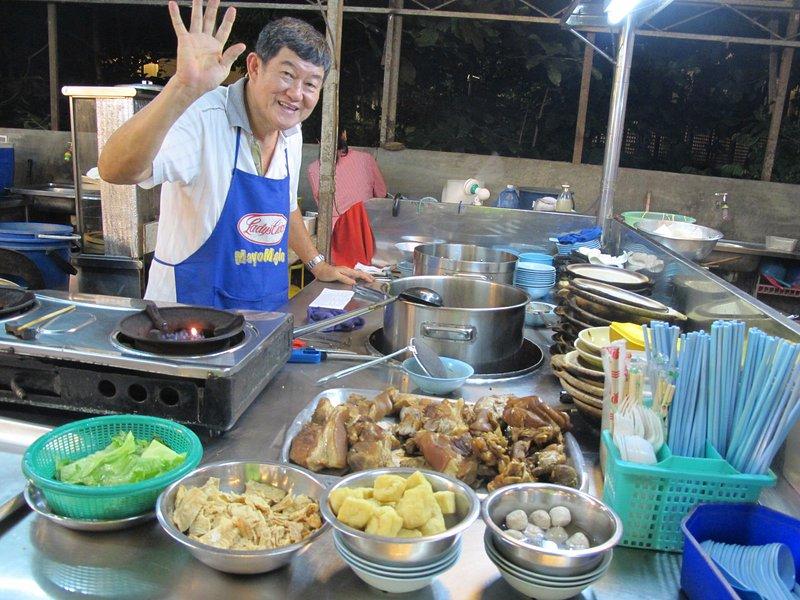cocinero patio de comidas