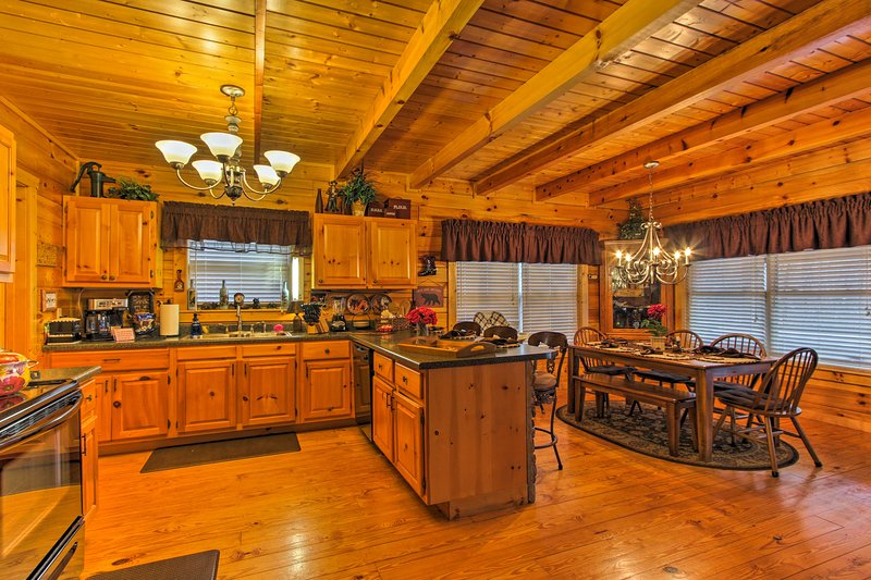 You'll find everything you need to prepare meals in the fully equipped kitchen.