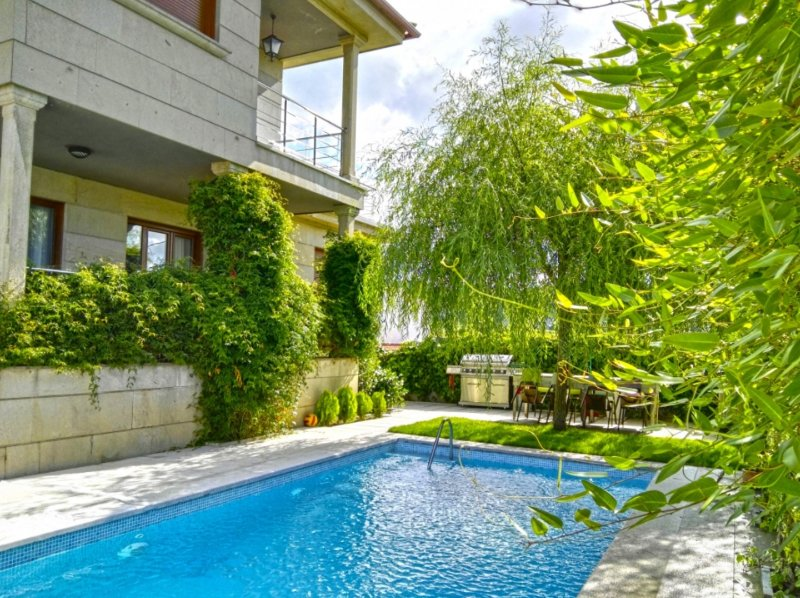 House - 4 Bedrooms with Pool and WiFi - 104320, vacation rental in Pontevedra