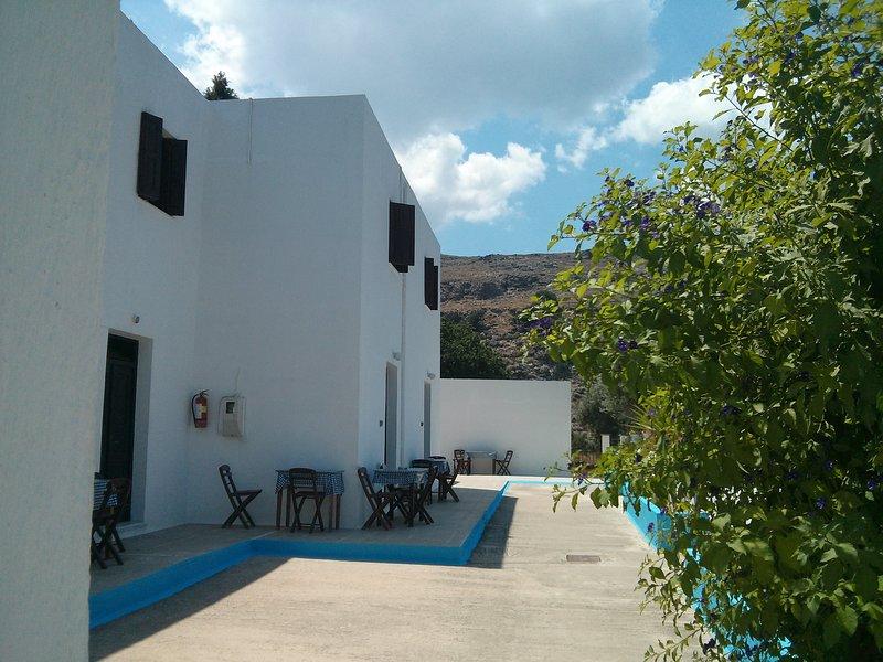 Three Brothers Studios Courtyard / Terrace