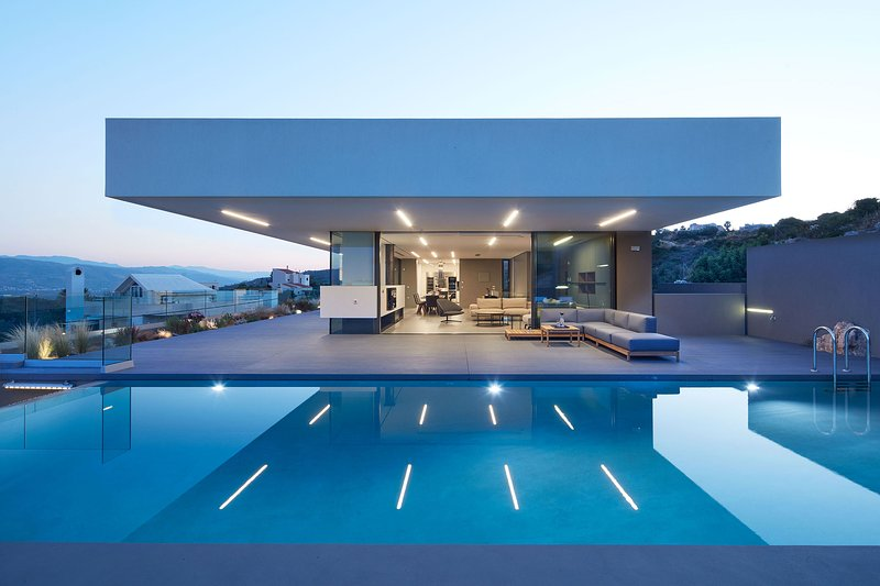 Unique architecture and perfect layout for demanding holidays