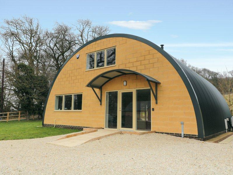 LEDGE VIEW, barn conversion, en-suite wet room, eco heating, Ref 966513, location de vacances à Weston Subedge