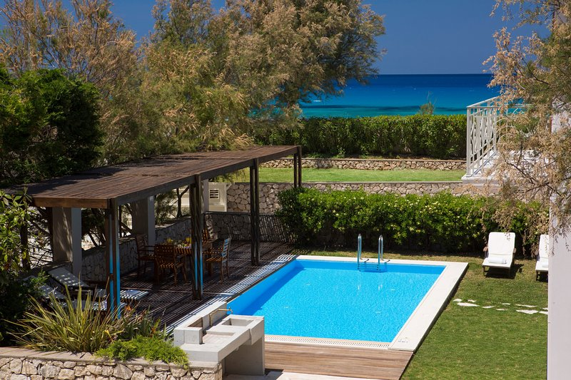 Anemos Beachfront Villa with Stunning View and Private Pool (Aeriko Villas), holiday rental in Lefkada Town