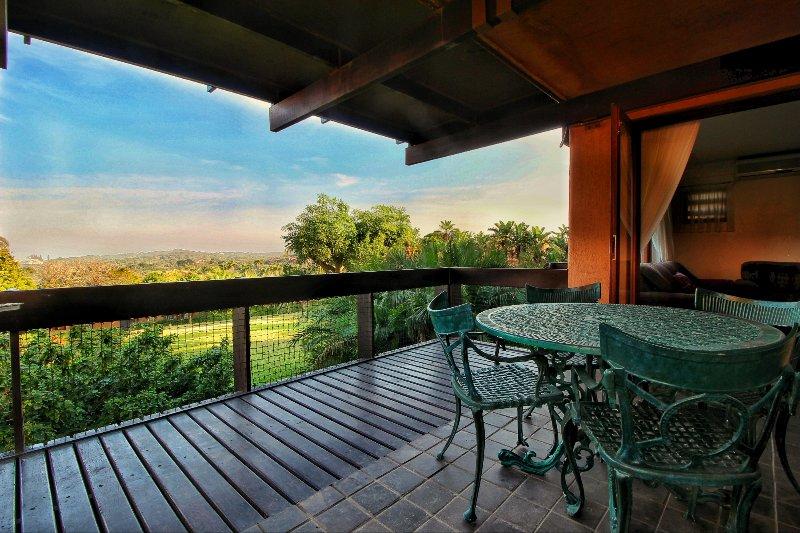 San Lameer 3 Bedroom Villa, holiday rental in Trafalgar