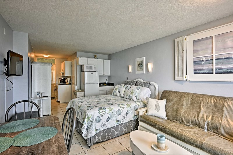 Make the most of your next Florida getaway when you stay at this Daytona Beach Studio.