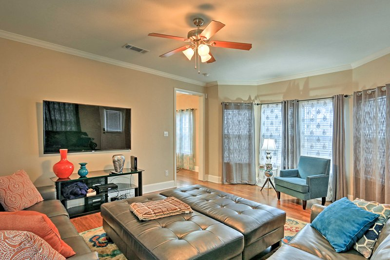 Find your next home-away-from-home at this 3-bedroom, 2.5-bath vacation rental house deep in the heart of Dallas!