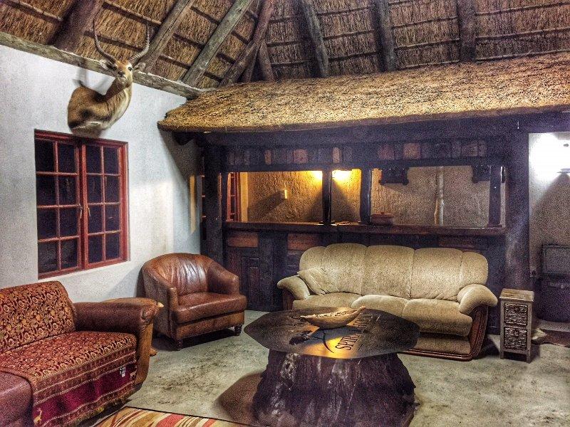 Bungalow on Game Ranch Bedroom 3, location de vacances à Waterberg
