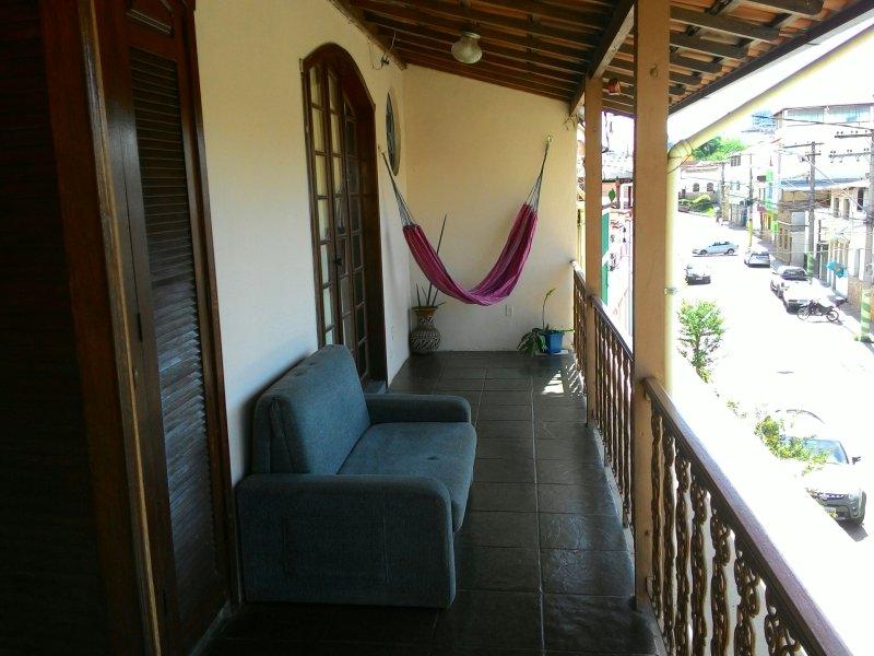 Em São João Del Re/MG sinta-se em casa., alquiler de vacaciones en Santa Cruz de Minas