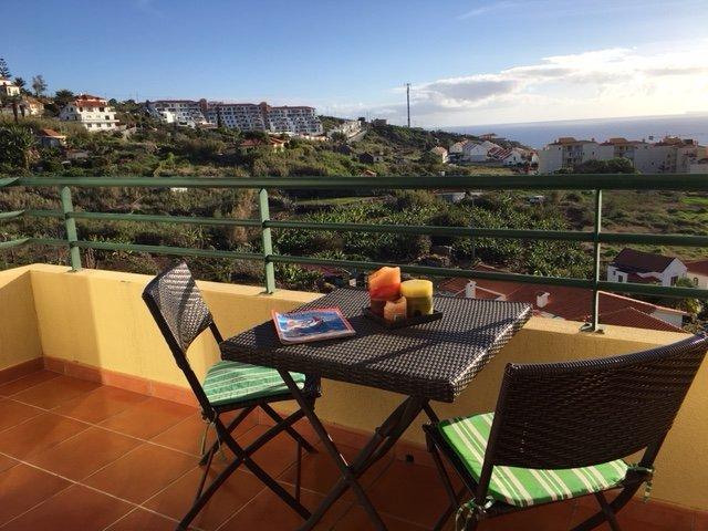 Vista Mar - Splendid Views of Caniço de Baixo Area, vacation rental in Canico