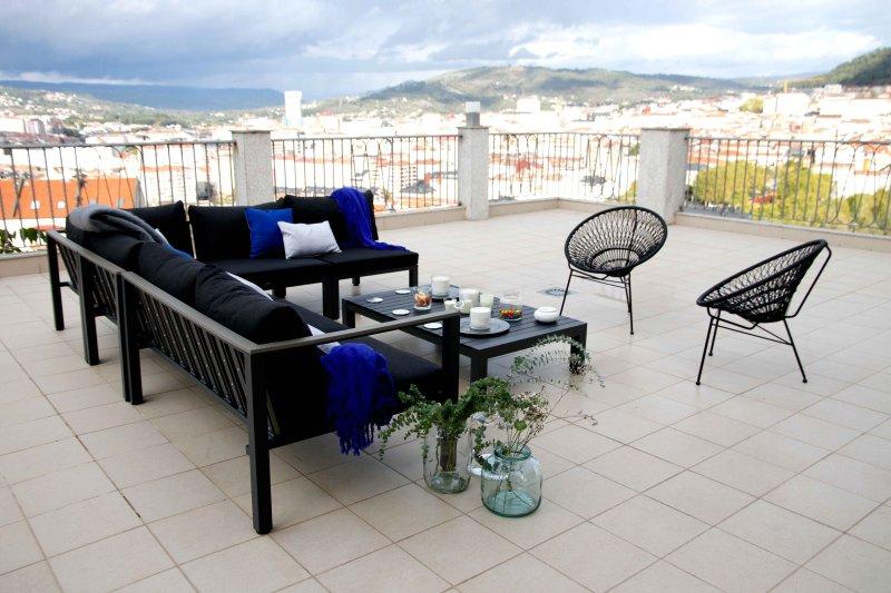 Finca de olivos en Ourense ciudad, holiday rental in Cenlle