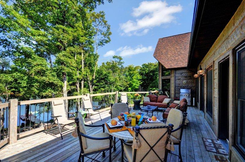 deck Lakeside