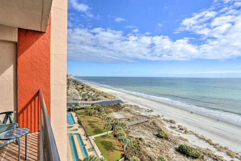 Experience unparalleled views of the Atlantic Ocean from this Myrtle Beach vacation rental condo!
