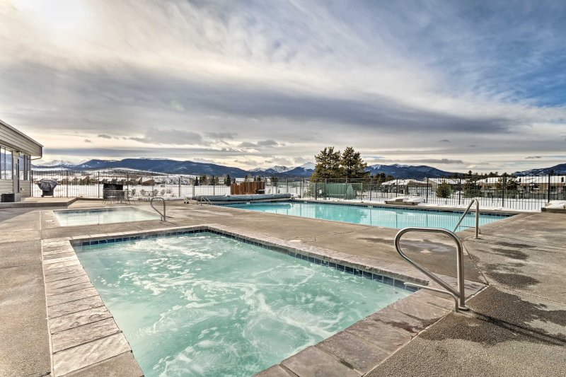 Escape to the serene Winter Park area at this vacation rental condo in Fraser!