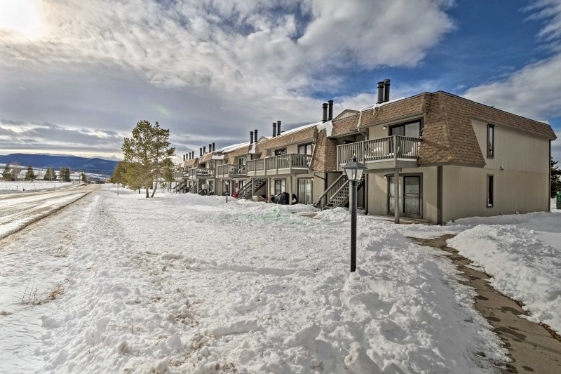 This charming Fraser condo is the perfect home base for your next visit.