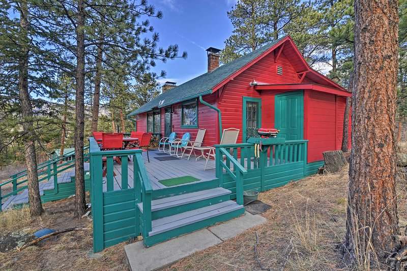 'Faraway Cabin' W/Mtn View & Deck In Estes Park! UPDATED