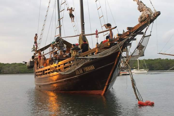 Sunnys Pirate Boat, vakantiewoning in Batu Layar