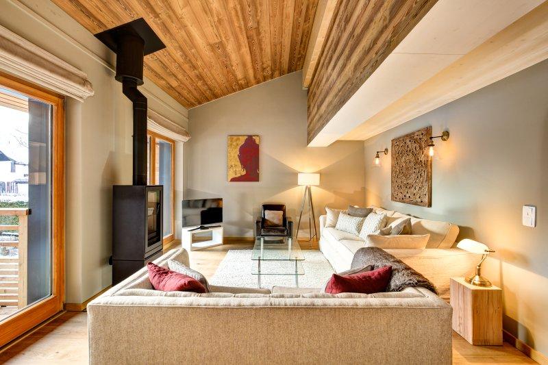 Chalet BiBi ~ Relaxing Living Area
