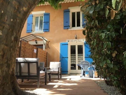 Les Platanes - Gîte avec piscine, location de vacances à Suze-la-Rousse