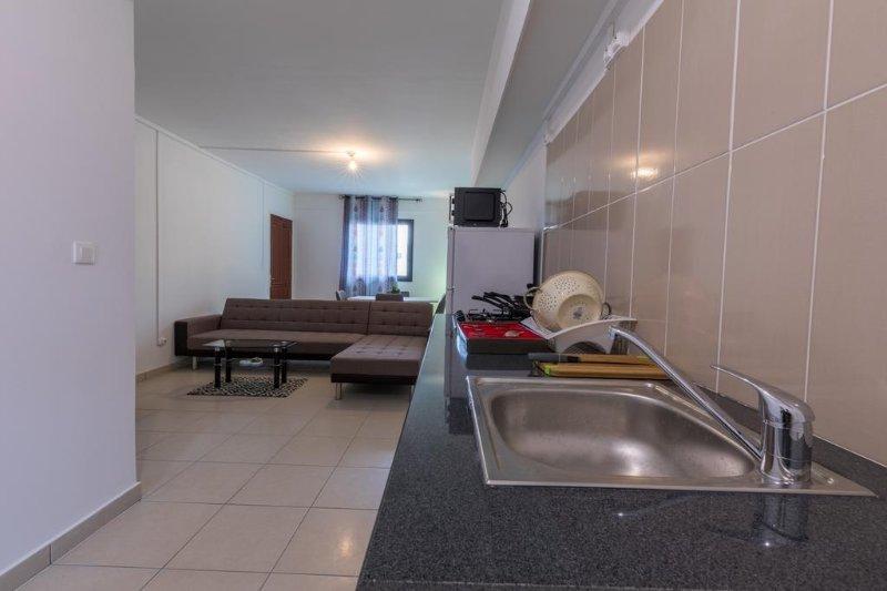 Residence Le Bon Spot (Mezzanine 9), vacation rental in Saint-Denis