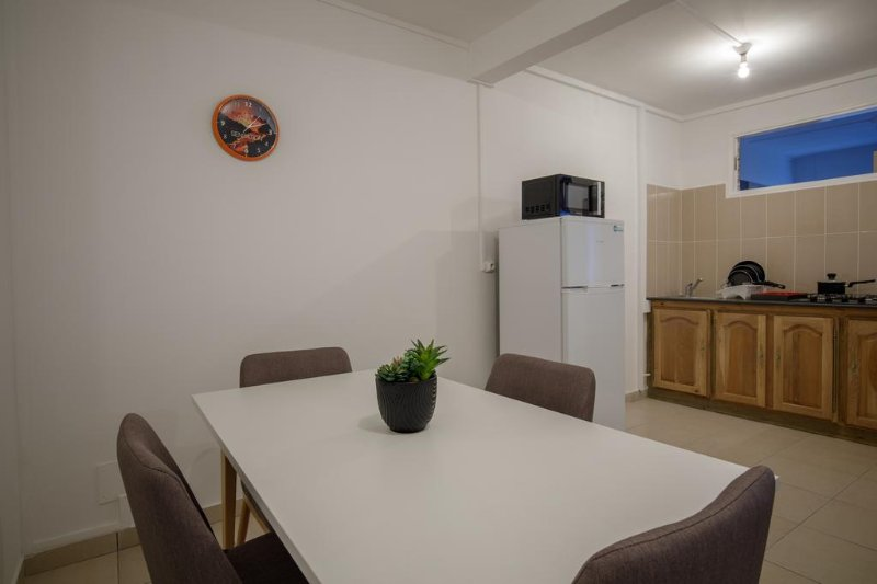 Residence Le Bon Spot (Mezzanine 6), vacation rental in Saint-Denis