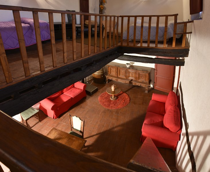 Fattoria Castello di Starda Classic Apartment, holiday rental in Mercatale Valdarno