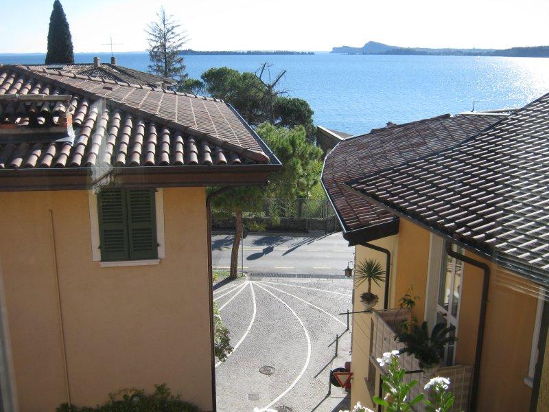 Appartamento Grande Antonia Girardi, holiday rental in Gardone Riviera