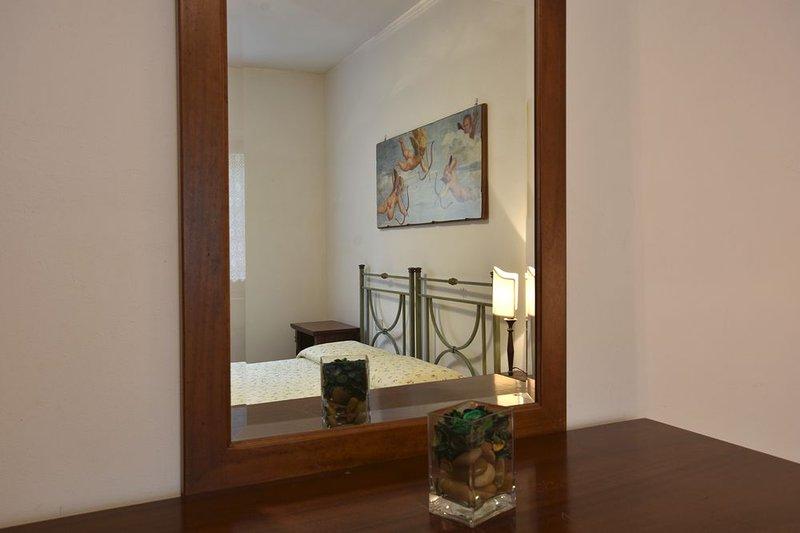 Fattoria Castello di Starda Deluxe Apartment, Pool View, vacation rental in Nusenna