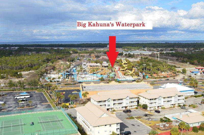 En face de parc aquatique Big Kahuna!