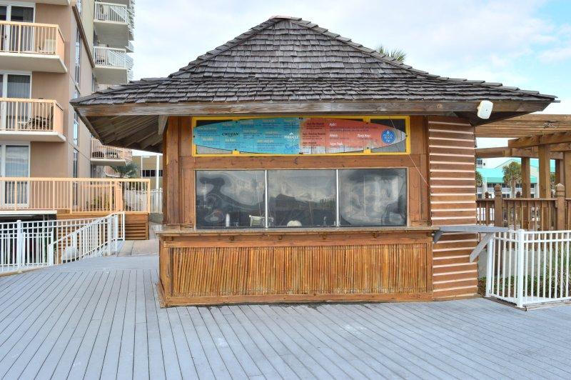 Pelican Beach Bar Tiki (piscine et Beachside)