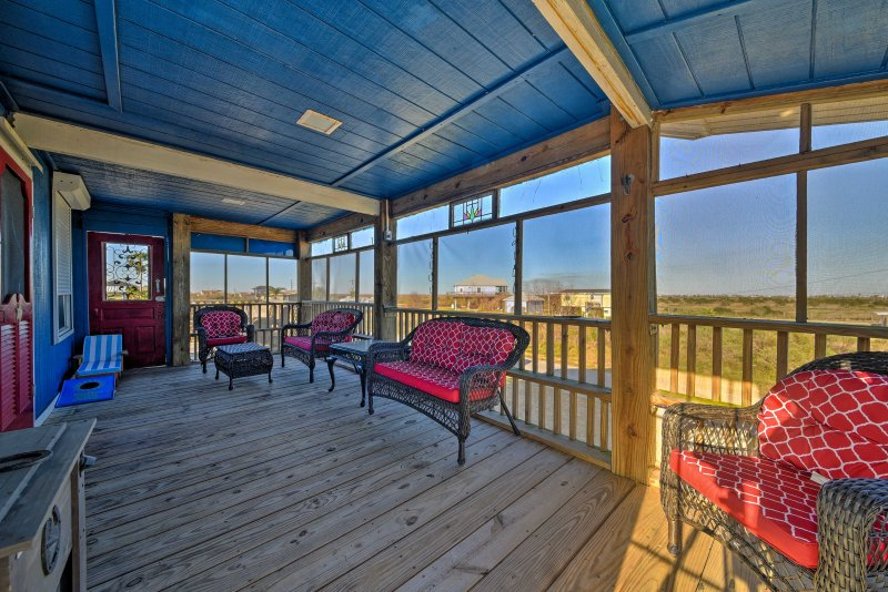 Pack your bags for a fun-filled Port Bolivar getaway at this beautiful 2-bedroom, 1.5-bathroom vacation rental house situated within walking distance from Crystal Beach!