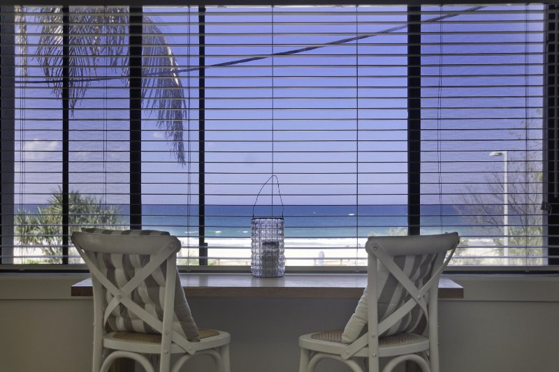 Poppy's by the Beach - Bilinga / North Kirra Beachfront & Min. 3 night stays!, holiday rental in Bilambil Heights
