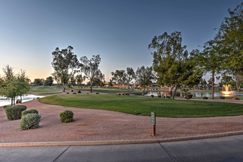 Book your Sun Lakes country club vacation today!