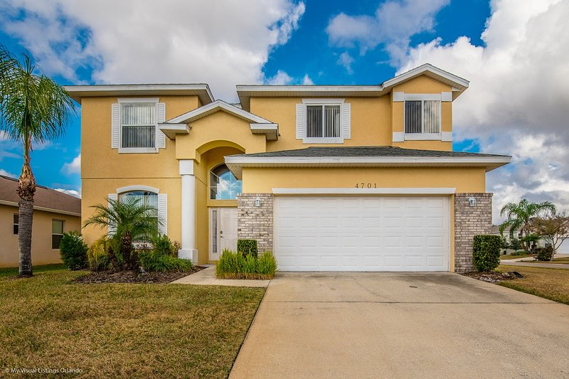 lovely 7 bedroom 45 bath home with private pool from 223