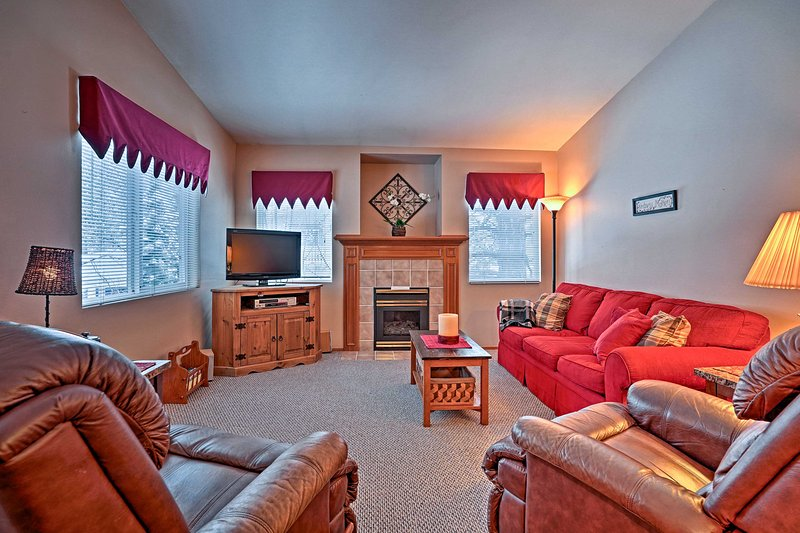 Experience the perfect mountain getaway while staying at  this top floor Leavenworth vacation rental condo, sleeping up to 6 guests!