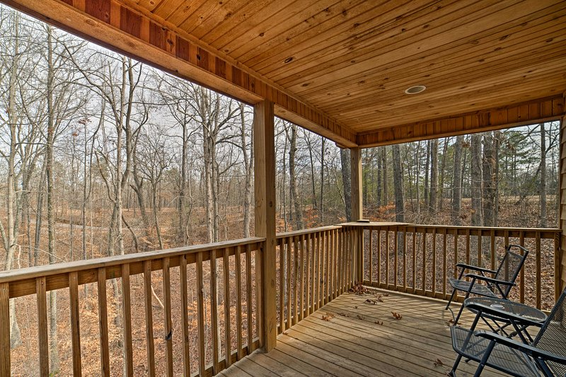 Find peace at this Counce vacation rental studio cabin.