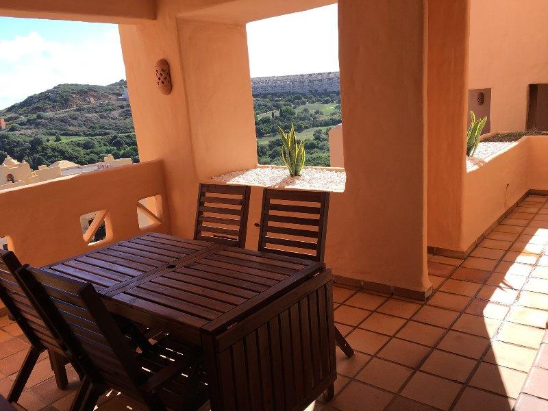 Ferienwohnung mit Blick aufs Meer, aluguéis de temporada em San Luis de Sabinillas