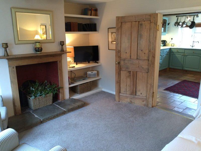 Bramble Cottage, Alderminster, Near Stratford upon Avon, vacation rental in Warwickshire
