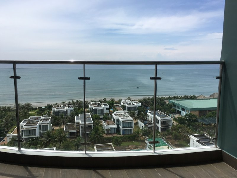 Blue Sapphire Resort - Stunning Ocean View 2BR Apartment, Ferienwohnung in Vung Tau