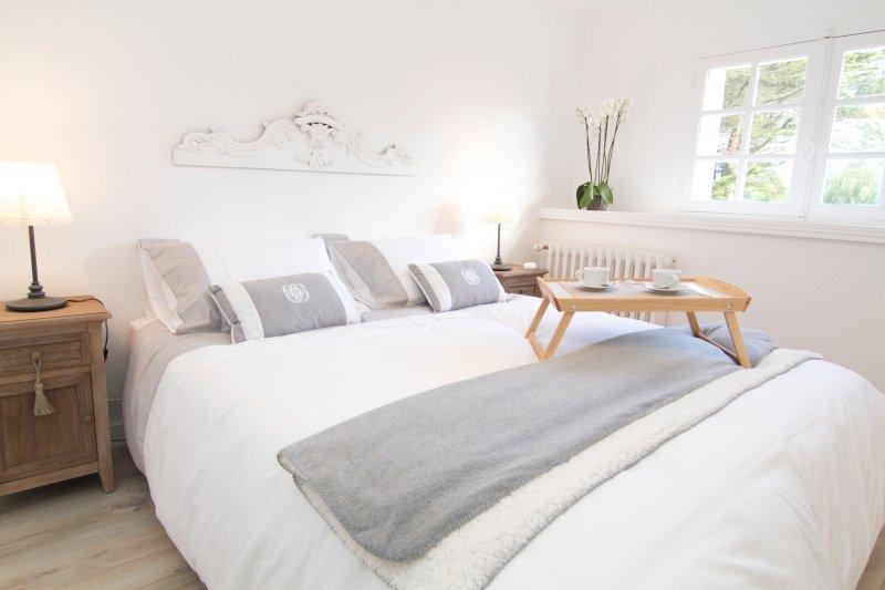 160X200 bed room