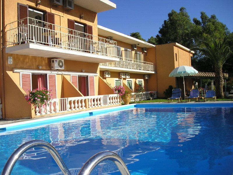 River studio 3 person, holiday rental in Messonghi