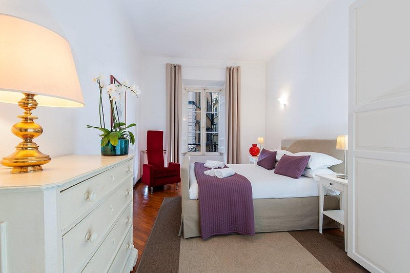 Pasquino Apartment - Navona Square, holiday rental in Rome